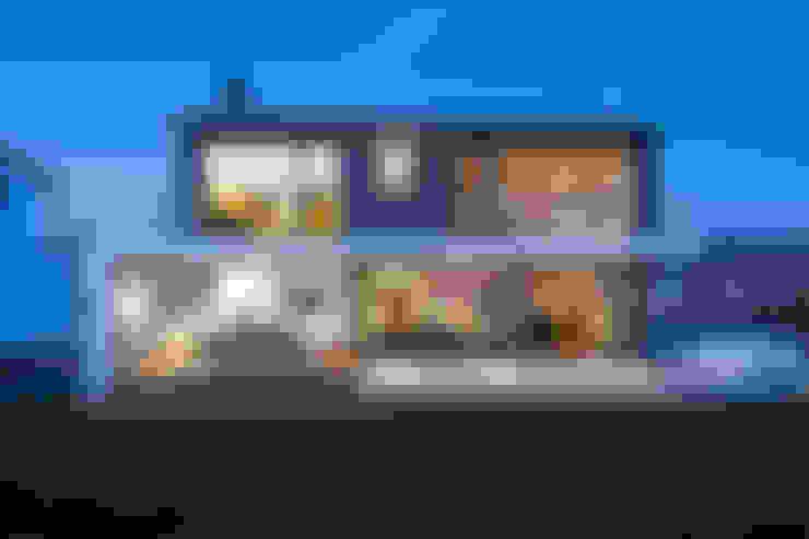 Rumah by m67 architekten