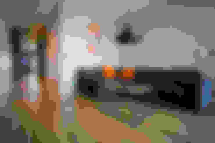 Salas multimedia de estilo  por INSPACE