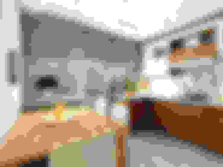 Квартира  71м2.  в г.Балашиха, для молодой семьи, мамы, папы и дочери.: Кухни в . Автор – Ольга Зелинская