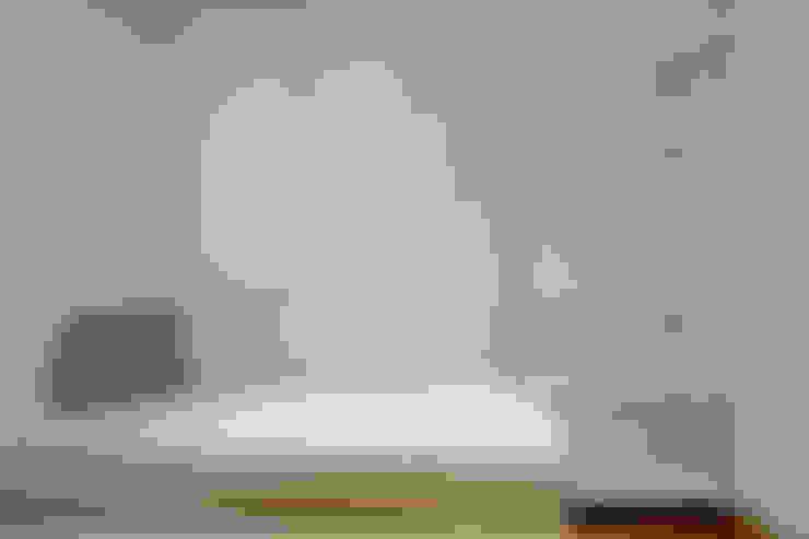 Dormitorios de estilo  por ELIX