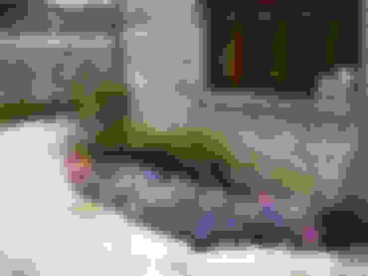 Jardines de estilo  por contacto36
