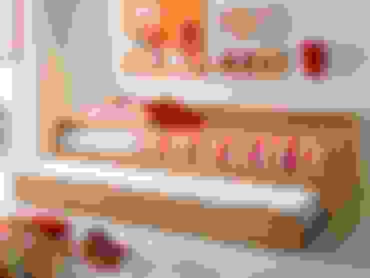 Projekty,  Pokój dziecięcy zaprojektowane przez Möbel-Eins