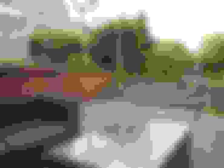 Jardines de estilo  por Van Dijk Tuinen Groningen