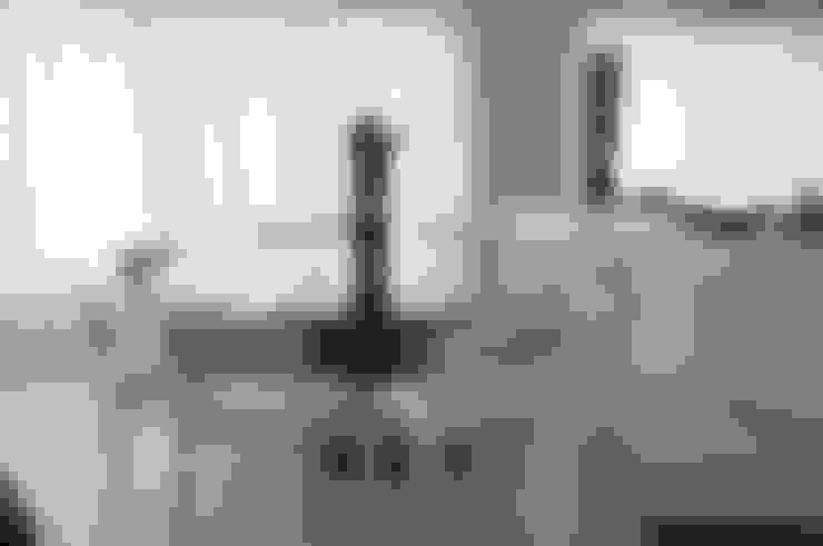 CASA SWISS PARK: Salas de jantar  por Renata Amado Arquitetura de Interiores