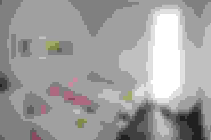CASA SWISS PARK I: Quarto infantil  por Renata Amado Arquitetura de Interiores