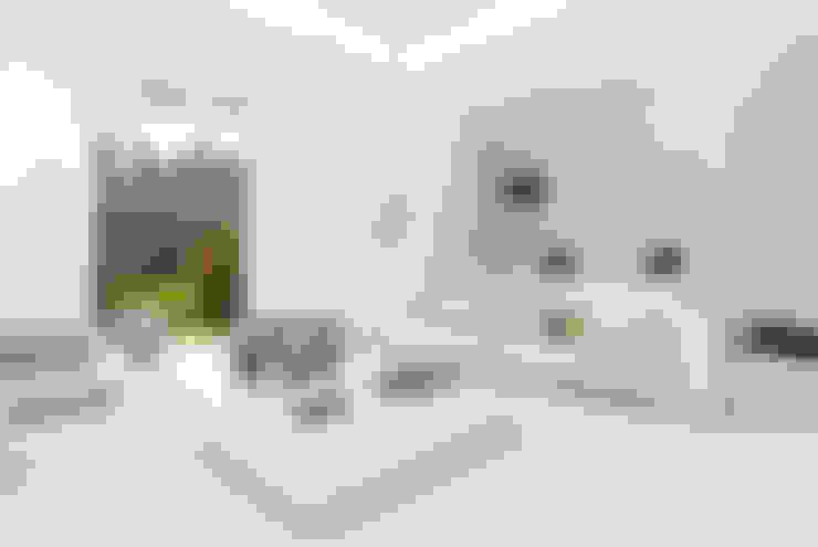 Living room by STUDIO CERON & CERON