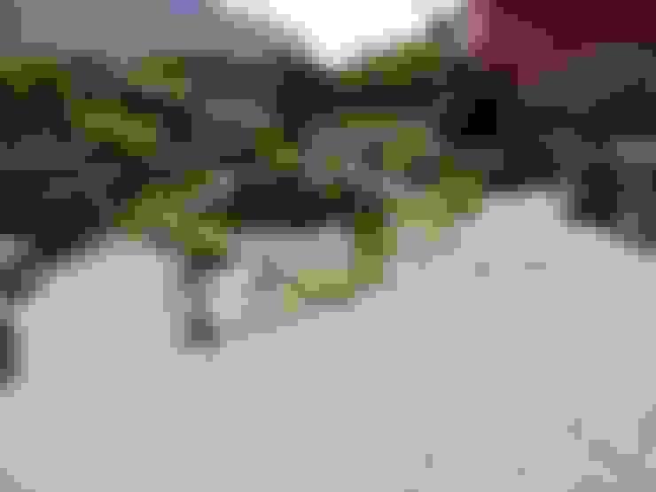 Jardin de style  par Gärten für Auge und Seele