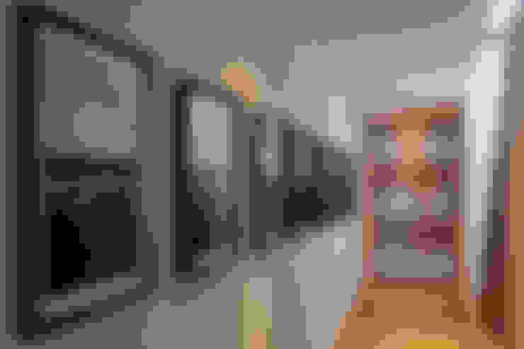 Ingresso & Corridoio in stile  di Faci Leboreiro Arquitectura