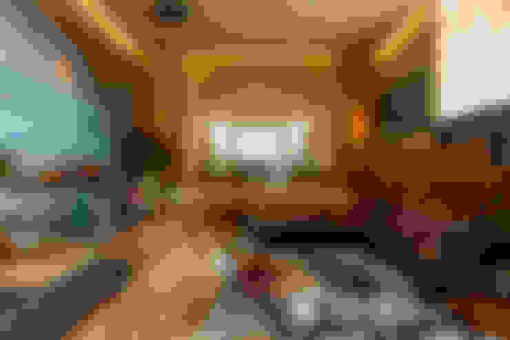 Casa³: Salas de estar  por Denise Barretto Arquitetura