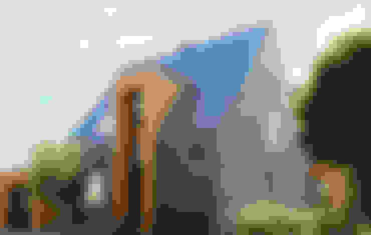 Casas de estilo  de Rathscheck Schiefer und Dach-Systeme ZN der Wilh. Werhahn KG Neuss