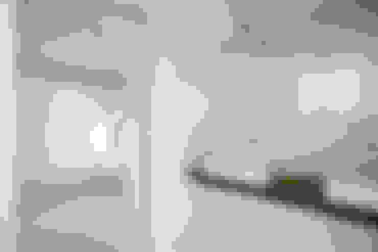 浴室 by 松島潤平建築設計事務所 / JP architects