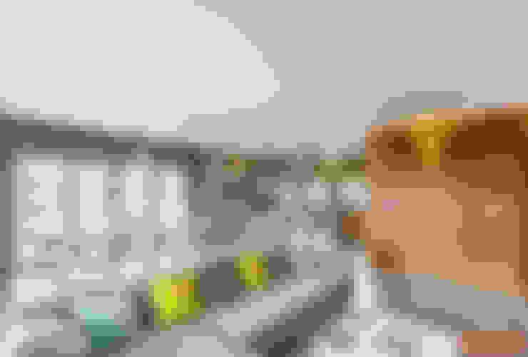 غرفة المعيشة تنفيذ COCO Pracownia projektowania wnętrz