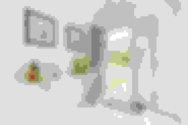 Pasillos y recibidores de estilo  por Immofoto-Sylt
