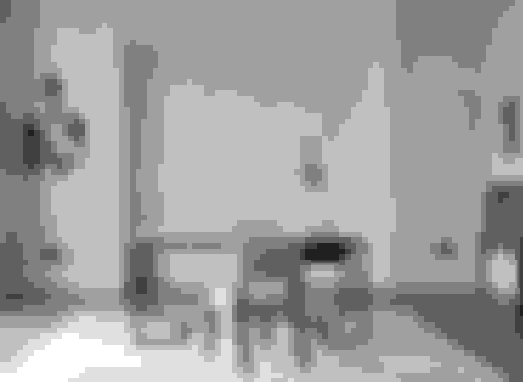 Study/office by Rupert Bevan Ltd