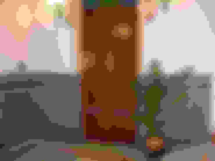 走廊 & 玄關 by Hispalcerámica