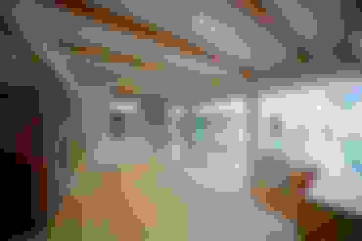 Living room by 一級建築士事務所 想建築工房