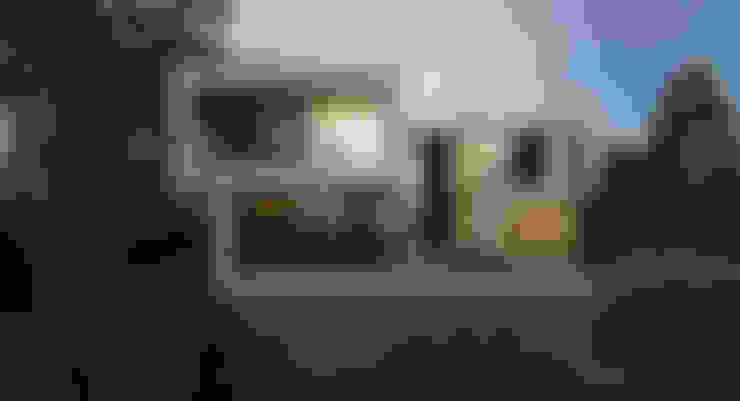 ДОМ В ПОСЕЛКЕ МАРТЕМЬЯНОВО: Дома в . Автор – ALEXANDER ZHIDKOV ARCHITECT