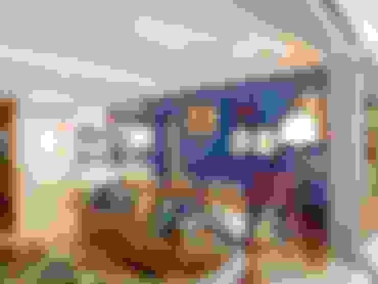 LIVING VS – MENINO DEUS / PORTO ALEGRE: Salas de estar  por Ambientta Arquitetura