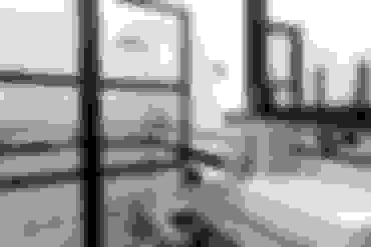 Baños de estilo  por BRICKS Studio