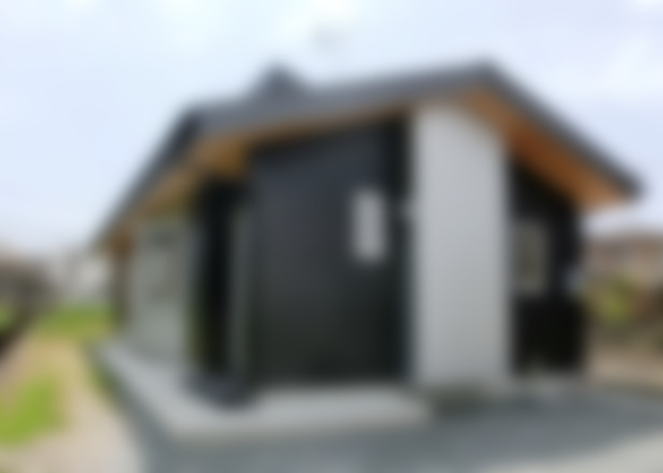 Rumah by 氏原求建築設計工房