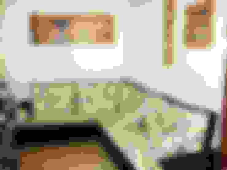 Living room by FUTONART