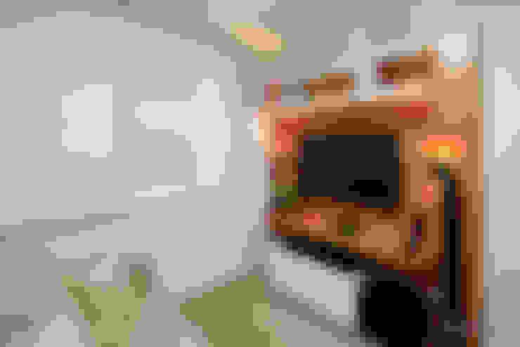 Media room by Camila Tannous Arquitetura & Interiores