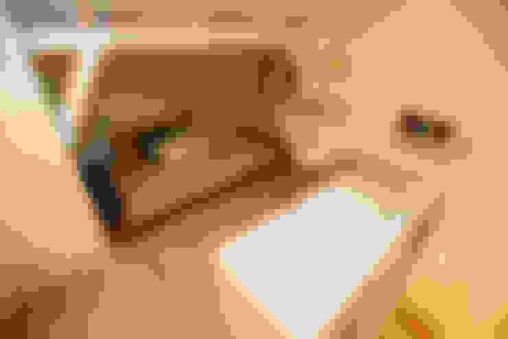 Sótão EL- Joinville/SC – Estúdio Kza Arquitetura e Interiores: Quartos de adolescente  por Estúdio Kza Arquitetura e Interiores