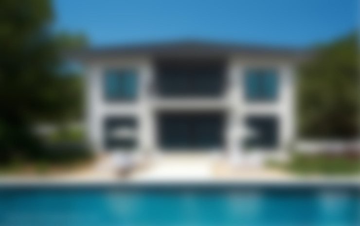 Pool Villa 250 Frontansicht:  Häuser von Finnscania Blockhausfabrik