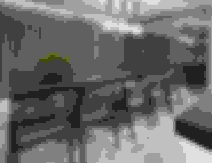 Mesa em grandes dimensões: Salas de jantar  por Andréa Buratto Arquitetura & Decoração