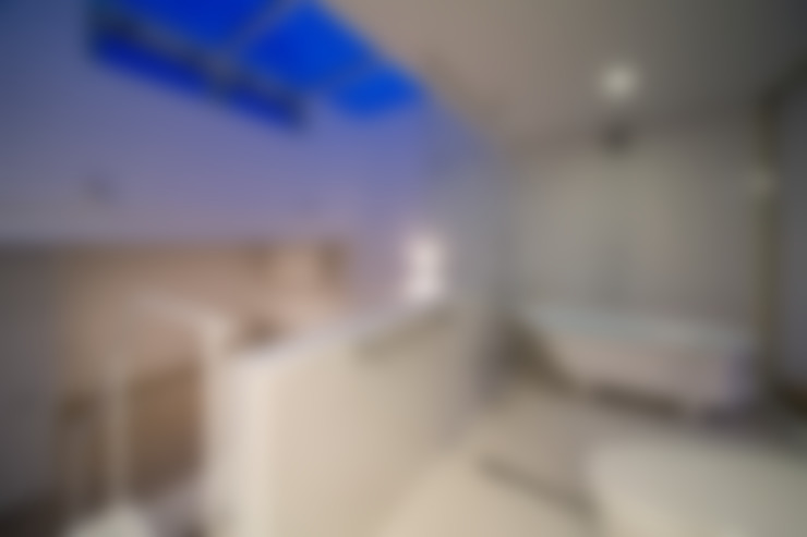 浴室 by Kenji Yanagawa Architect and Associates