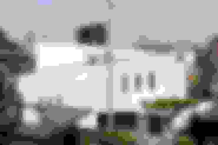 Casas de estilo  por 前田敦計画工房