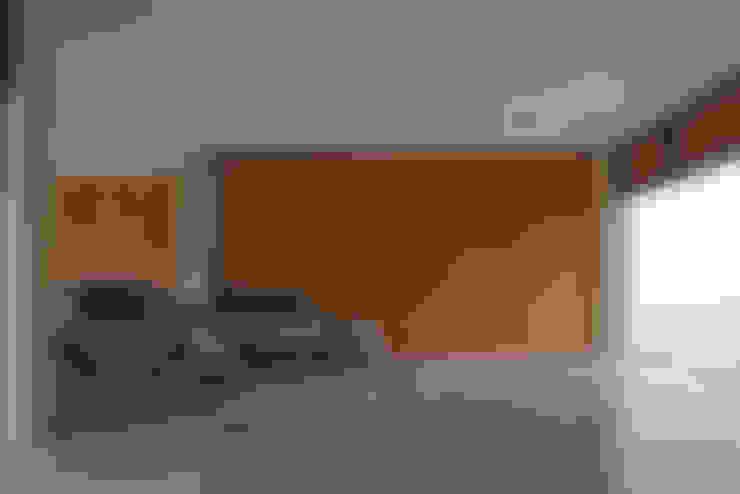 Garagens e arrecadações  por Beth Nejm