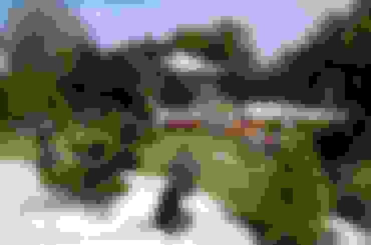 Jardim  por CAROLINE'S DESIGN