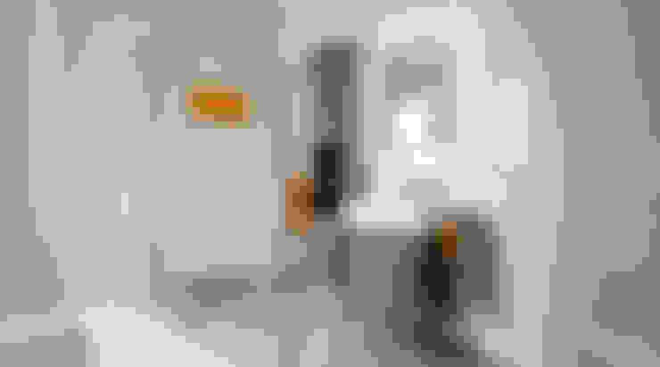 Bathroom by Dennert Massivhaus GmbH
