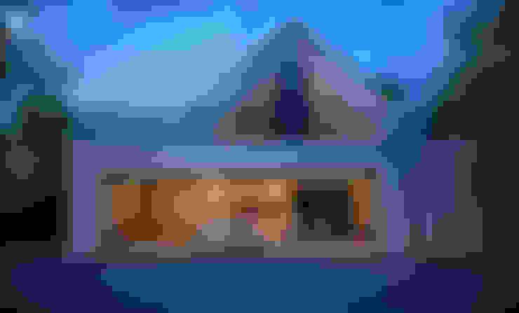 Garage/shed by Pracownia projektowa artMOKO