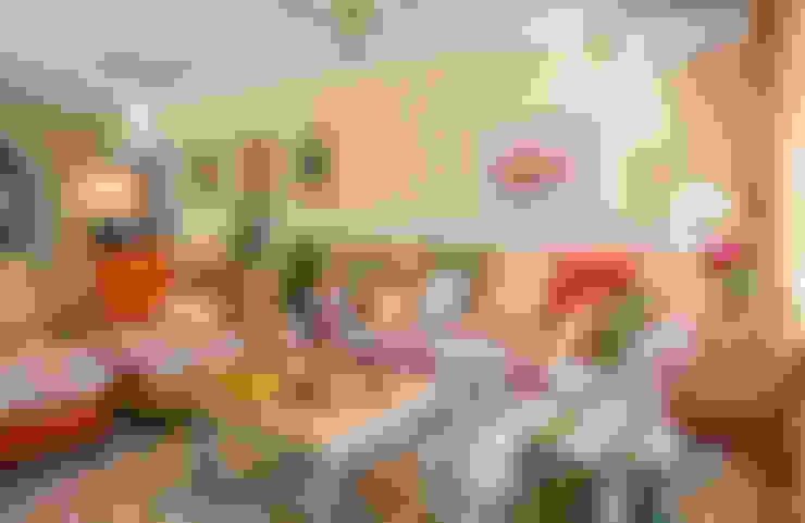Дом в Голицыно (дизайнеры - Наталия Прохорова-Азбукина и Елена Синицына): Гостиная в . Автор – Фотограф Анна Киселева