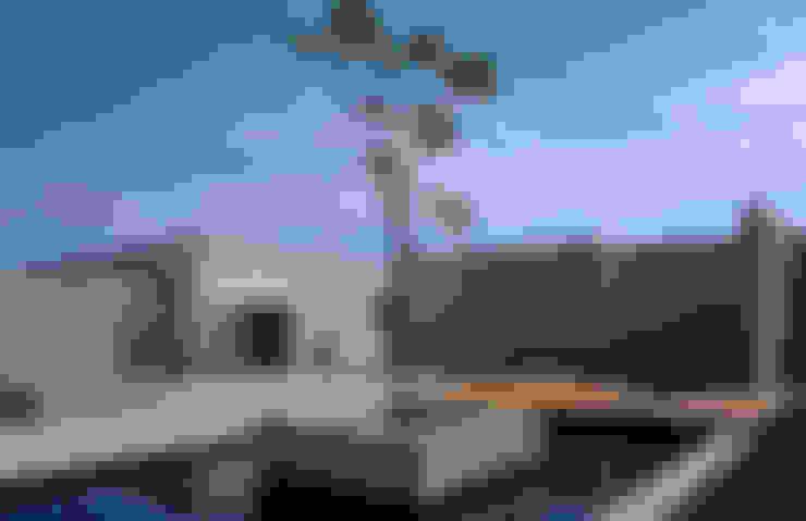 Vista jardim seco: Casas  por Maurício Queiróz