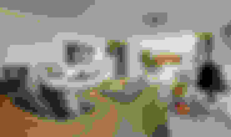 Living room by Larissa Maffra