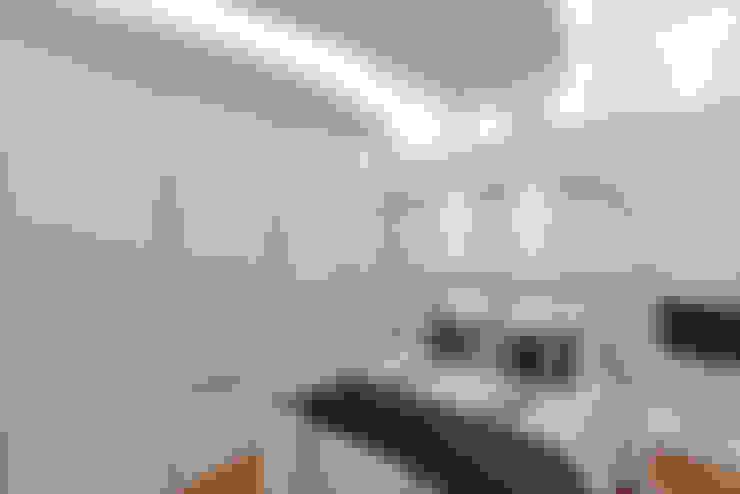 Schlafzimmer von Arquiteto Aquiles Nícolas Kílaris
