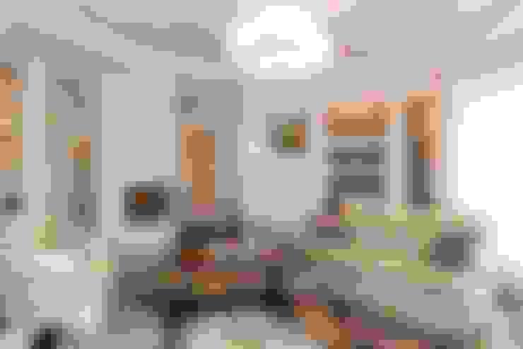 Квартира в г. Зеленоградске: Гостиная в . Автор – AGRAFFE design