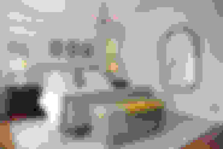 غرفة نوم تنفيذ Ruth Noble Interiors