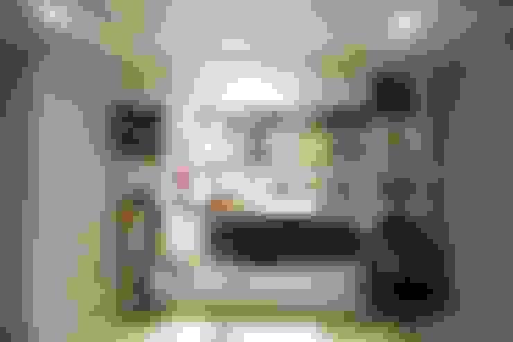Closets  por 홍예디자인