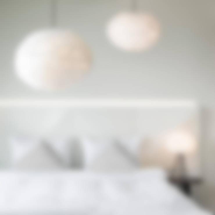 Eos Feather Lights By Vita:  Living room by Cloudberry Living