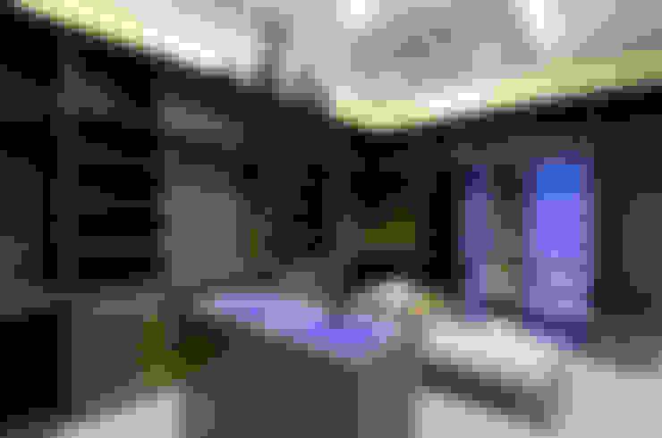A31 Residência: Closets  por Canisio Beeck Arquiteto
