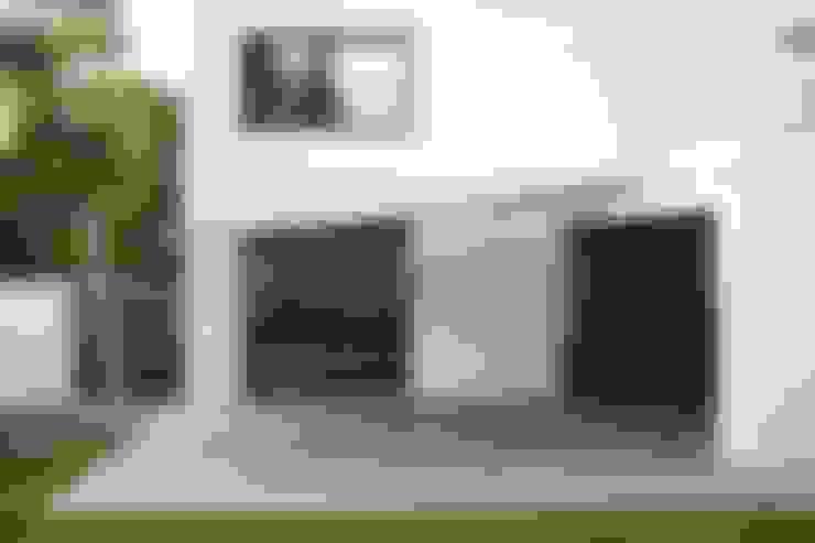Casas de estilo  por Ivo Nikolov Architekt