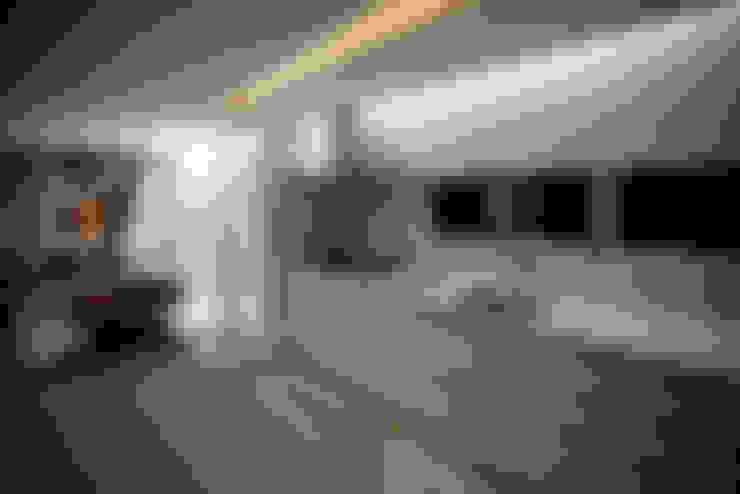 Apartamento E&E.S - Cozinha: Cozinhas  por Kali Arquitetura