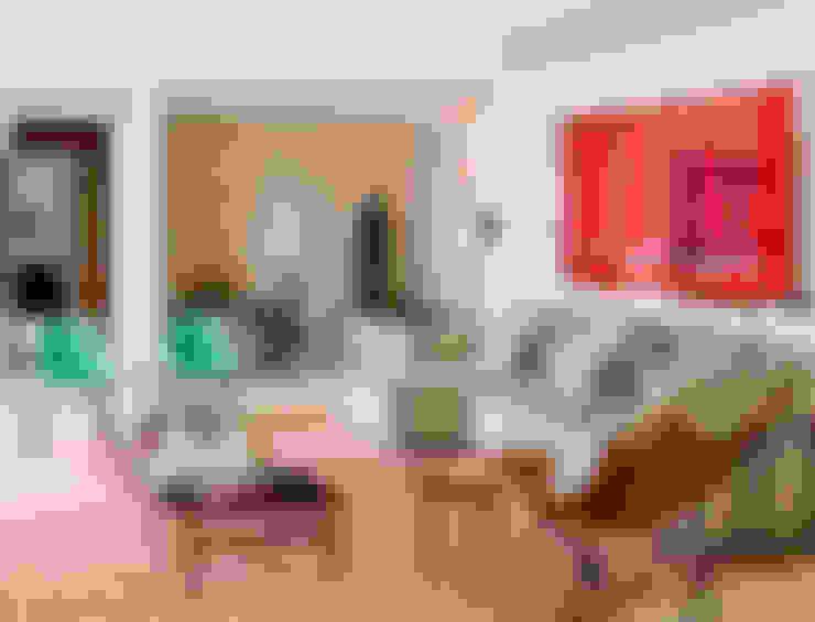 Apartamento Bairro de Higienópolis: Sala de estar  por CARMELLO ARQUITETURA