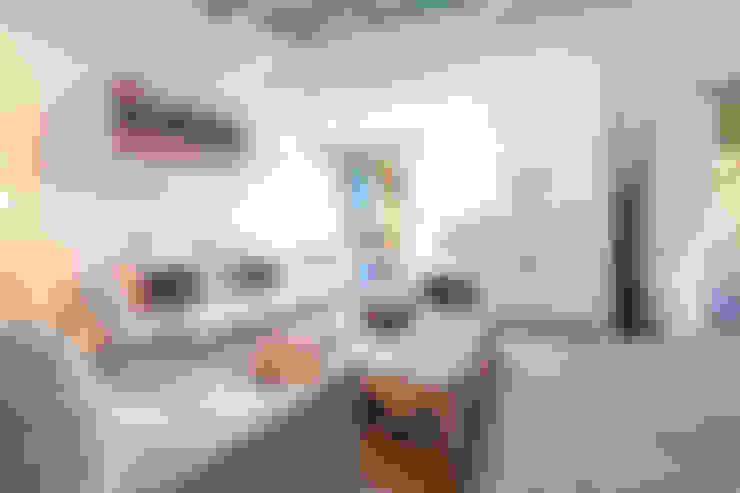 Salas/Recibidores de estilo  por Home Deco Decoración