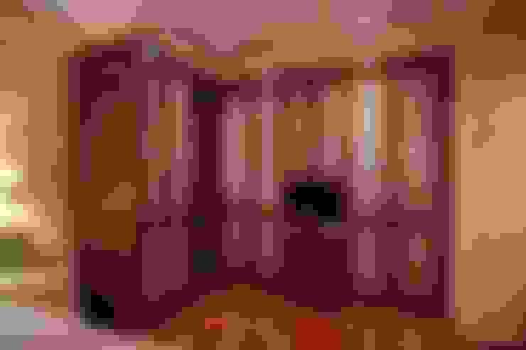 PRIBURGOS SLU:  tarz Giyinme Odası