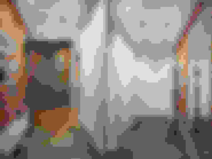 Лофт в петербургском стиле: Коридор и прихожая в . Автор – Студия дизайна интерьера Маши Марченко